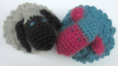 Chubby Sheep, free crochet pattern by Marie Segares.