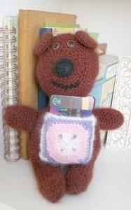 Gift Pocket Bear, free crochet pattern by Marie Segares.