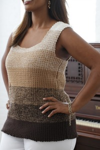 Progressive Tunic from Curvy Girl Crochet.  Image (c) Susan Pittard.