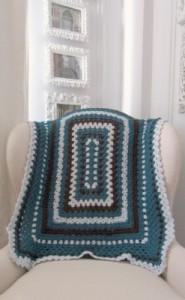 Rectangular Sampler Blanket, free crochet pattern by Marie Segares.