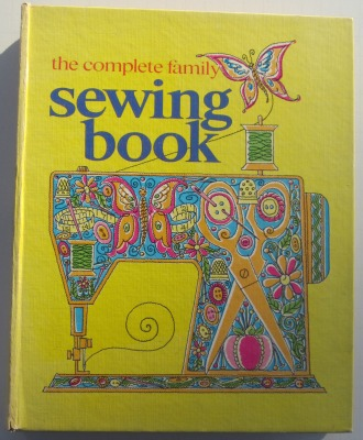 Complete Fam Sewing Bk cover