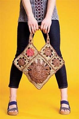 Abracadabra Bag, published in Interweave Crochet. Photo (c) Interweave Crochet.