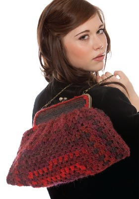 Vintage Granny Clutch, published in Inside Crochet. Photo (c) All Craft Media.