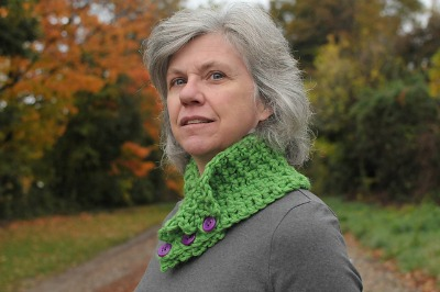 Beth Graham, modeling her A Crinkle in Time Cowl.