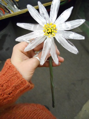 Glass Daisy by Bending Flow Designs