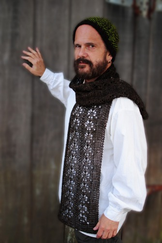 Interview with crochet/knit blogger/designer Andy Nevarez on Underground Crafter