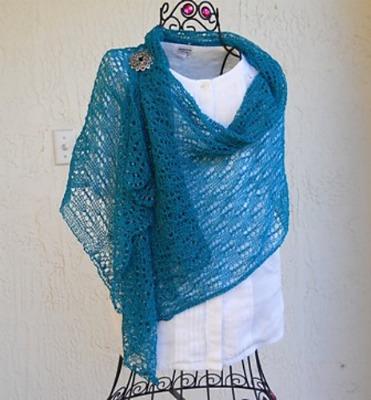 Interview with shawl knitting designer Bianca Perez on Underground Crafter blog