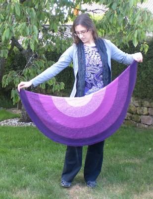 Interview with (mostly) knitting designer, Stefanie Bold, on Underground Crafter