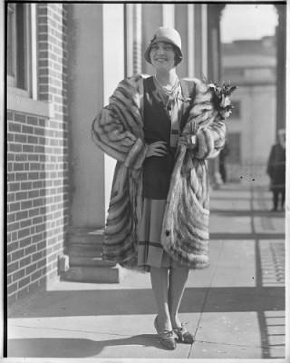 Ruth Elder, pioneering aviatrix and film actress, on Underground Crafter blog