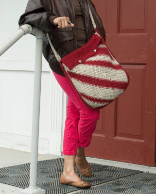 Diagonal Stripes Messenger Bag, Tunisian crochet pattern by Marie Segares/Underground Crafter