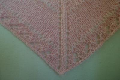 Pretty in Pink Shawlette, knitting pattern by Marie Segares/Underground Crafter