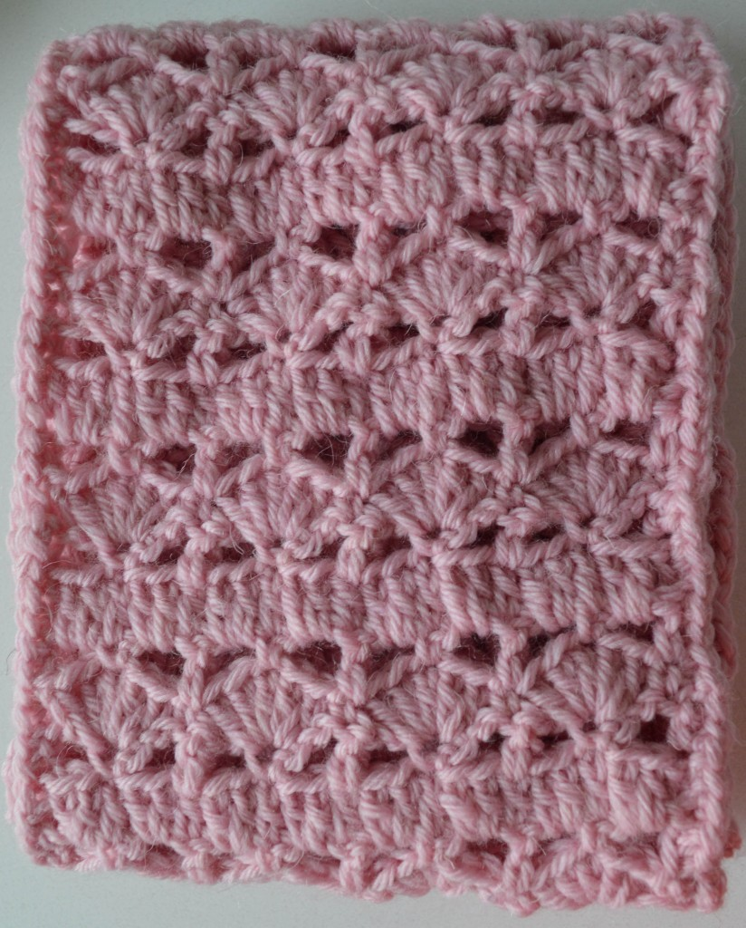 Pinky Circle Scarf, free crochet pattern by Marie Segares/Underground Crafter