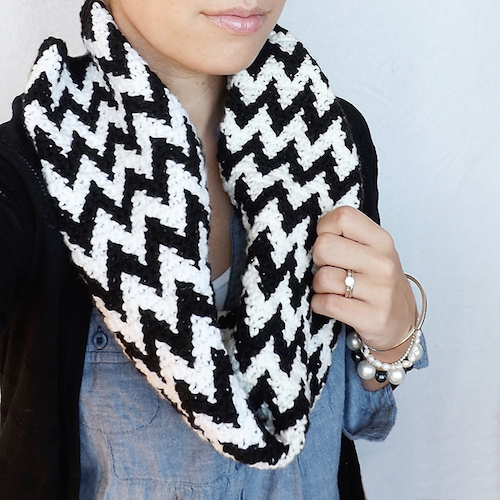 Cooper Chevron Cowl, crochet pattern by Lakeside Loops for sale on Ravelry and Etsy.