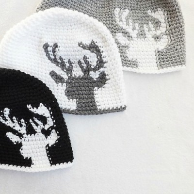 Dylan Deer Silhouette by Lakeside Loops, tapestry crochet pattern roundup on Underground Crafter