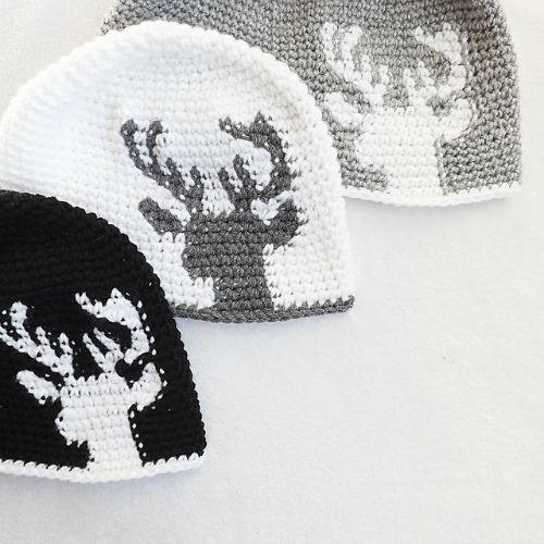 Dylan Deer Silhouette by Lakeside Loops, tapestry crochet pattern for sale on Etsy