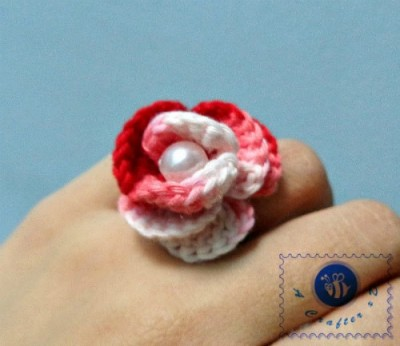 Rosy Ring, free crochet pattern by Maz Kwok