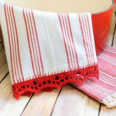 Crochet Edged Tea Towels, free crochet pattern by Kara Gunza.