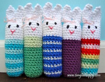 Easy Amigurumi Bunny, free crochet pattern by Sara Freisberg.