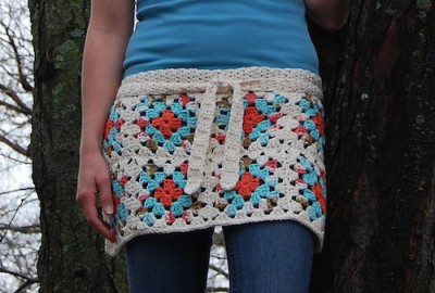 Granny Square Apron, free crochet pattern by Sara Freisberg.
