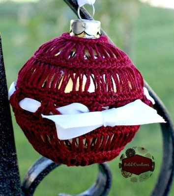 Broomstick Lace Ornament, free crochet pattern by Kati Donahue.