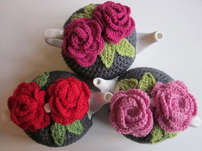 Leah's Tea Rose Cozies, free crochet pattern by Leah Maxwell.