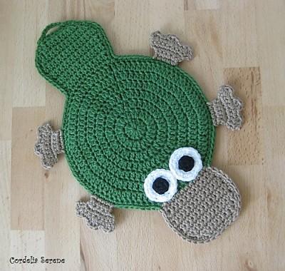 Platypus Potholder, free crochet pattern by Cordelia Serene.
