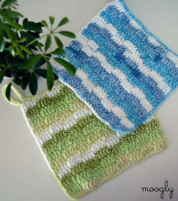 Ripple Puff Cleaning Cloth, free crochet pattern by Tamara Kelly.