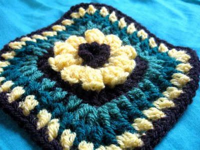 Flower Granny Square 6 inch, free crochet pattern and tutorial by Meladora's Creations.