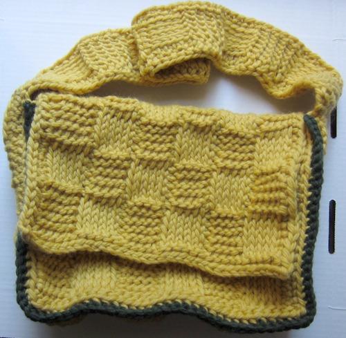 Basketweave Mini Messenger Bag, free Tunisian #crochet pattern by @ucrafter