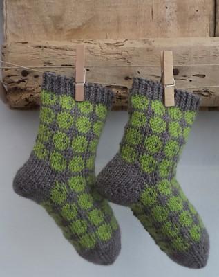 Bag End's Door, knitting pattern by Miren Torrealday (Ardilanak).