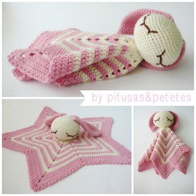 Manta de Apego (Security Blanket), free crochet pattern in Spanish by Pitusas y Petetes.