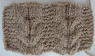 Slouchy Horseshoe Cable Hat, free #knitting pattern by Marie Segares/Underground Crafter