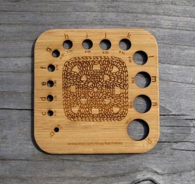 A granny square hook gauge by katrinkles.