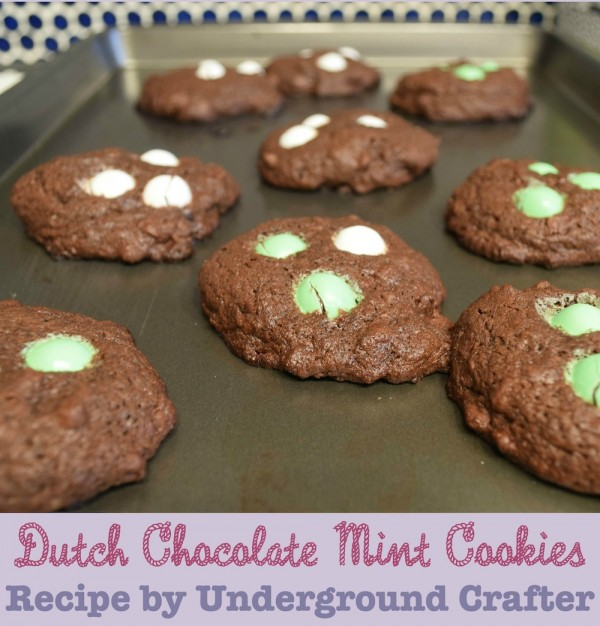 Dutch Chocolate Mint Cookies #recipe by Underground Crafter | These cakey cookies are minty and chocolatey.
