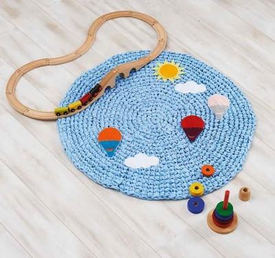 Balloon Rug crochet pattern by Morgan Roberts. Image (c) Quantum Books.