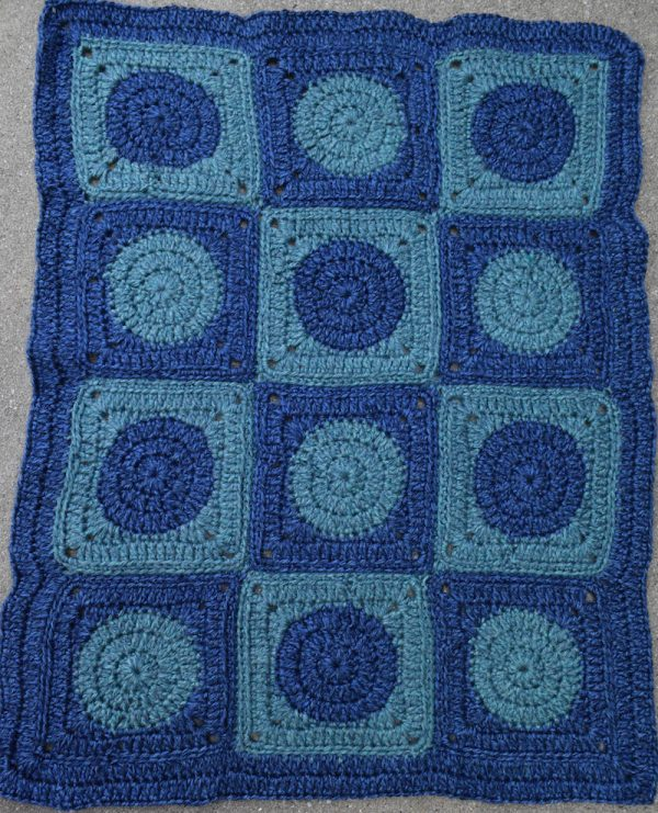 Intensive Love Blanket, free #crochet pattern by Underground Crafter | This preemie-sized blanket is perfect for donation to Knots of Love, or any other charity providing incubator blankets to neonatal intensive care units (NICUs).