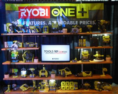 Lots of cool DIY equipment at the Ryobi booth | Snap! conference 2016 wrap up on Underground Crafter