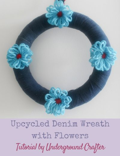 Upcycled Denim Wreath with Yarn Flowers Tutorial by Underground Crafter #DIY #crafts #yarn