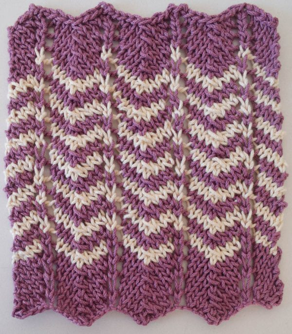 Free knitting pattern: Simple Chevron Dishcloth in Lion Brand 24/7 Cotton by Underground Crafter