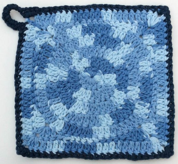 Free crochet patterns: Trio of Circle Potholders by Underground Crafter in Lily Sugar'n Cream yarn | These 3 potholders feature circle motifs. Instructions are also included for granny square versions without the hanging loop.