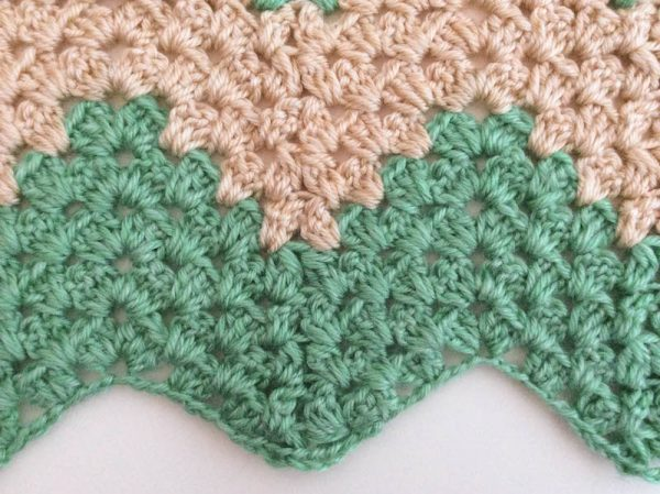 Free crochet pattern: Granny Chevron Wrap in Lion Brand Heartland by Underground Crafter - chevron stripes detail