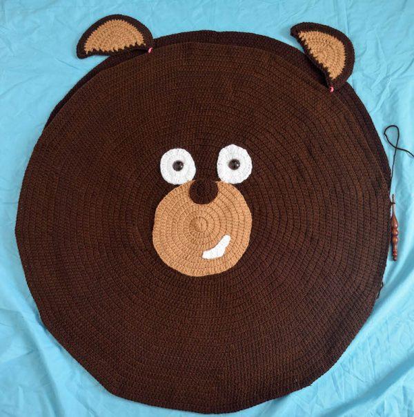 Free crochet pattern: Kodiak Bear Pillow Pal by Underground Crafter - positioning ears
