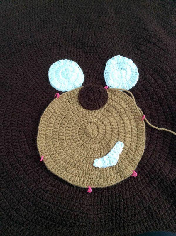Free crochet pattern: Kodiak Bear Pillow Pal by Underground Crafter - joining facial features