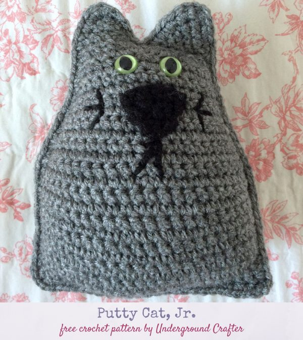 Free crochet pattern: Putty Cat, Jr. in Red Heart Super Saver and stuffed with Fairfield Poly-Fil Royal Silk Fiber Fill by Underground Crafter