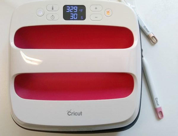 How To Make a Custom Makers Gonna Make Iron-On Bag with Cricut EasyPress 2 by Underground Crafter - EasyPress 2
