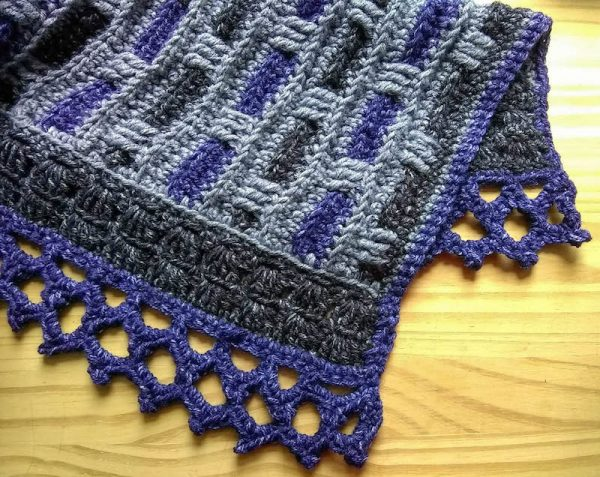 Phoenix Wrap, free crochet pattern in Lion Brand Jeans by Underground Crafter | detail of lace border