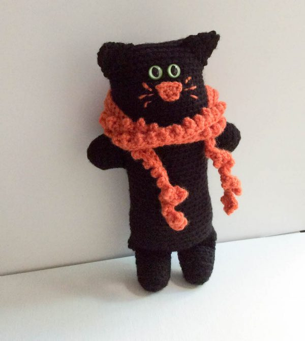 Free crochet pattern: Black Cat Softie in Red Heart Super Saver stuffed with Fairfield Poly-Fil by Underground Crafter   2018 Halloween Crochet Along