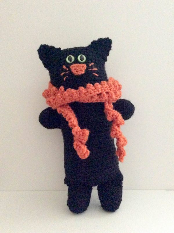 Free crochet pattern: Black Cat Softie in Red Heart Super Saver stuffed with Fairfield Poly-Fil by Underground Crafter | 2018 Halloween Crochet Along