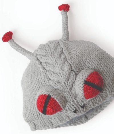 Free knitting pattern: Alien hat by Vanessa Mooncie via Underground Crafter | Alien hat flat lay
