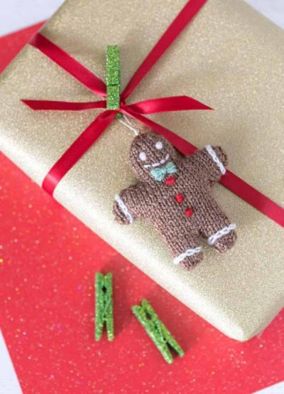 Tiny Christmas Toys to Knit by Sachiyo Ishii - book review with Gingerbread Man pattern excerpt on Underground Crafter | Gingerbread Man ornament as gift wrap